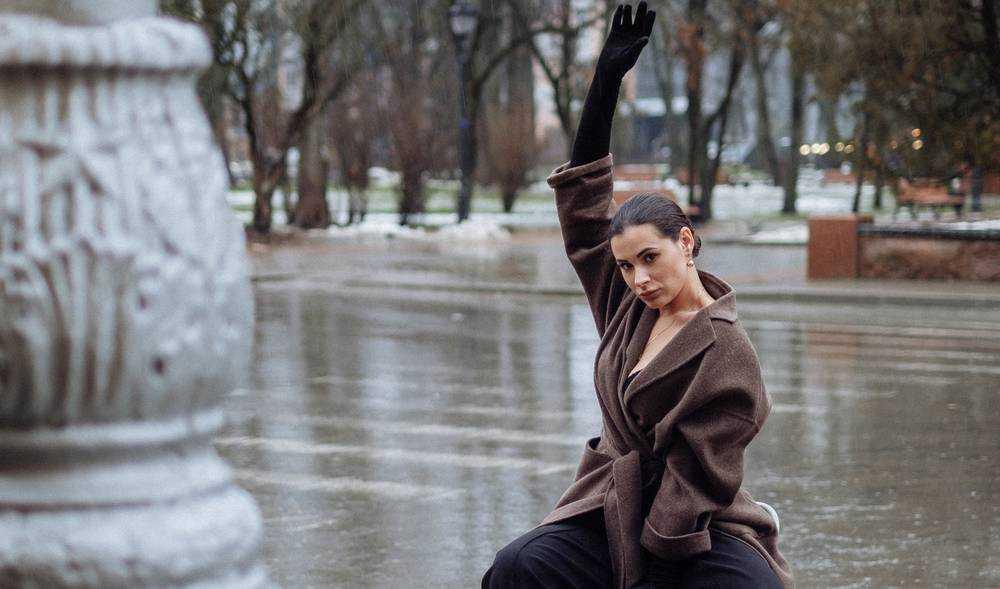 Недоизвестного недоблогера попросили раздеть даму и повлиять на ЛДПР