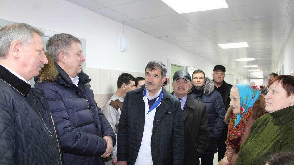 Брянский губернатор Александр Богомаз посетил Стародубскую больницу