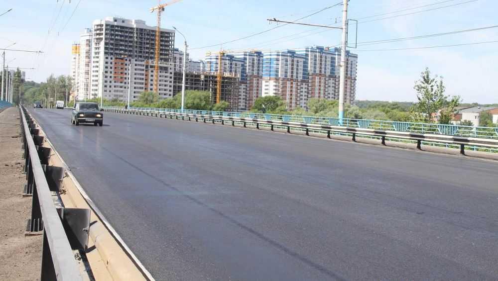 В Брянске отремонтируют Октябрьский мост и сети отопления