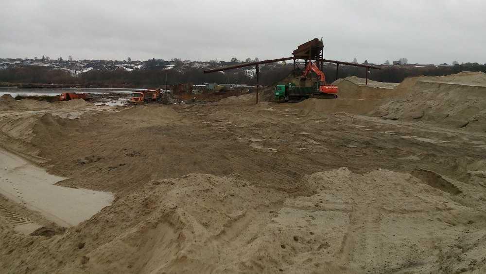 В Брянском районе возбудили дело о незаконной добыче песка на 2 млн рублей