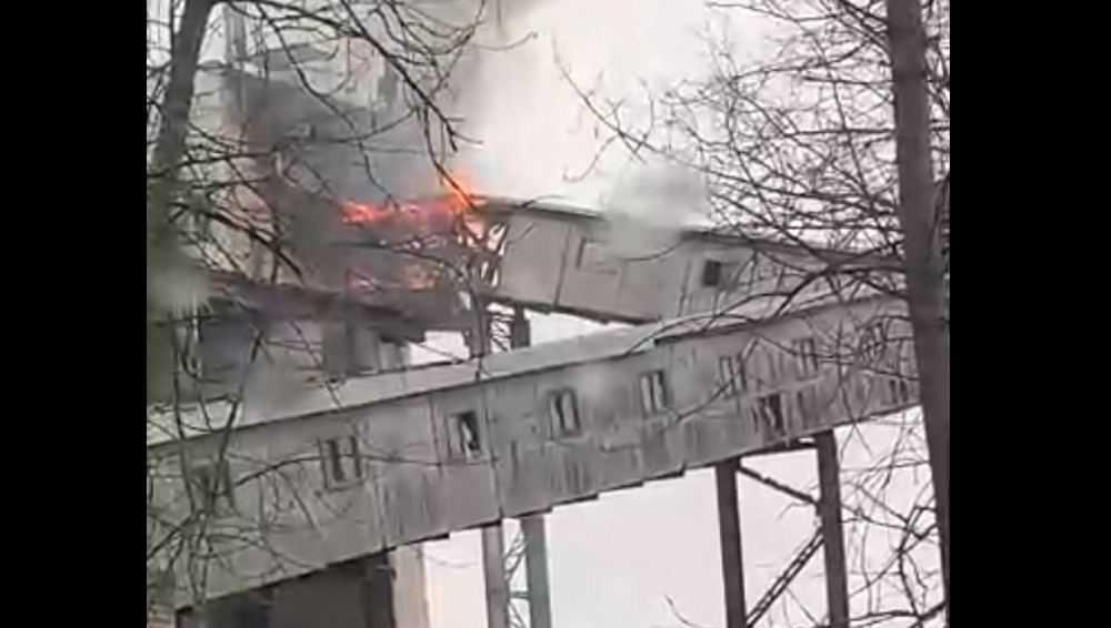 В Брянске загорелось предприятие «Стройдеталь и К»