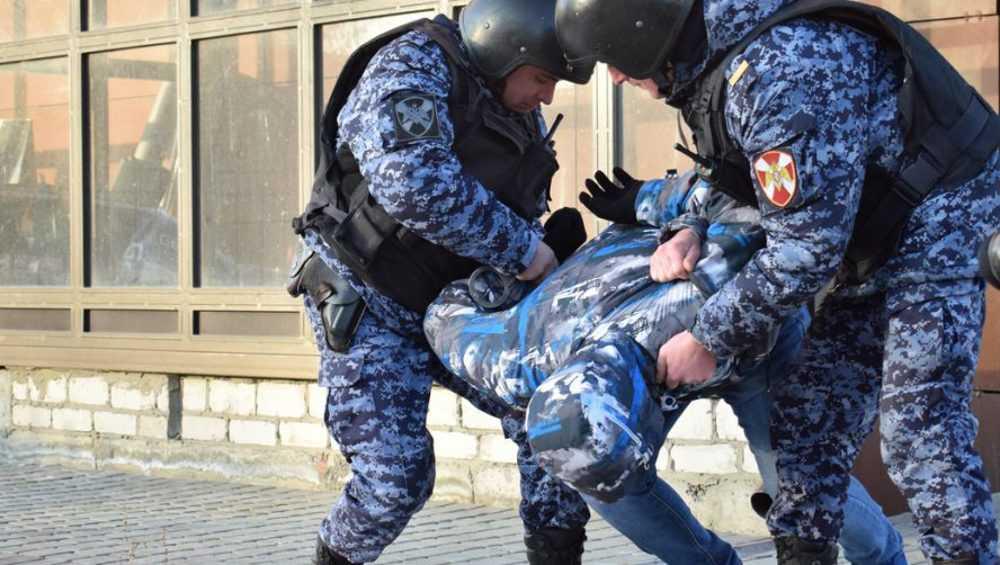 В Брянске задержали преступную пару магазинных воров