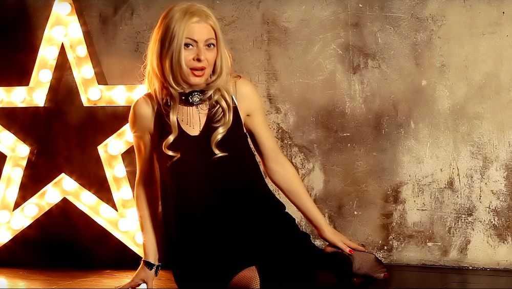 Брянская певица Сергия опубликовала новый клип в честь Уитни Хьюстон