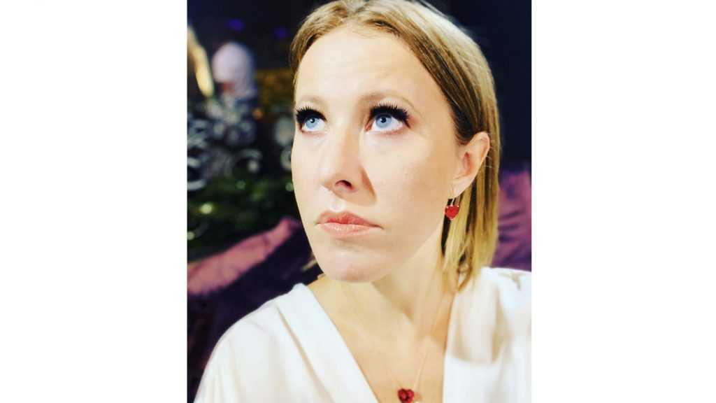 «Русская тройка без телеги»: обнаженное фото Собчак взорвало сеть