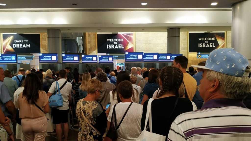 «Относятся как к скоту»: посол Россиив Израиле заявил об ужасном приеме россиян