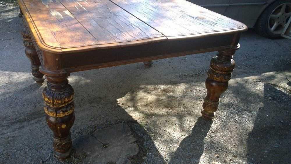 Со двора брянской больницы украли массивный старый стол