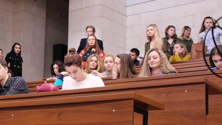 Брянские депутаты решили помочь студенческим семьям