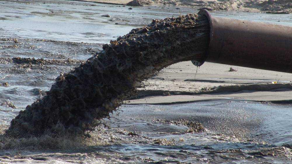 Стародубский сырзавод попался на незаконной врезке в систему очистки