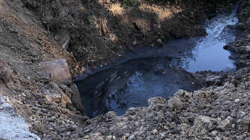 В Стародубе коммунальщика наказали за сброс нечистот в реку