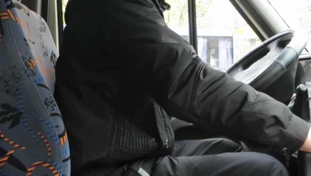 В Брянске водителя маршрутки наказали за опасный маневр на дороге