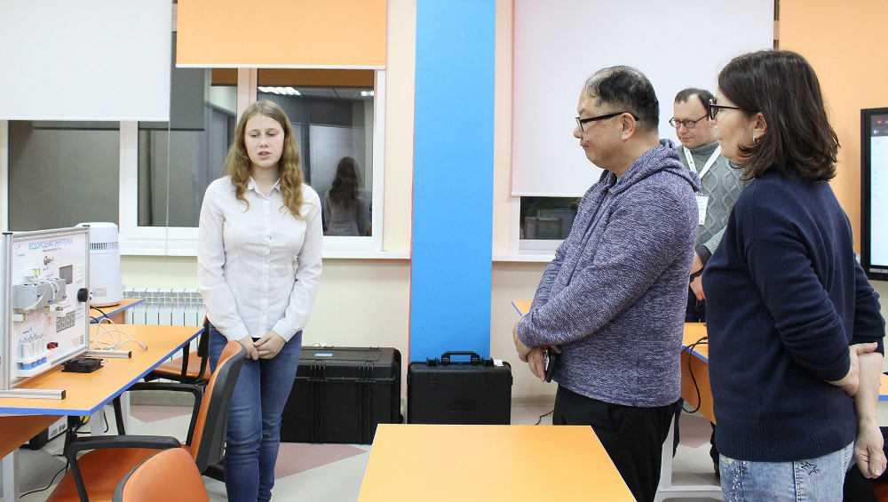 Эксперт из Японии посетил брянский технопарк «Кванториум»