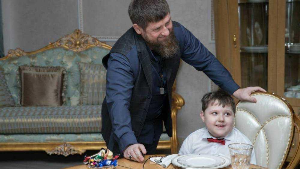Брянский мальчик Давид Лощаков погостил у Рамзана Кадырова