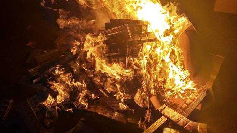 В Брянской области сожгли 4 тысячи пачек белорусских сигарет