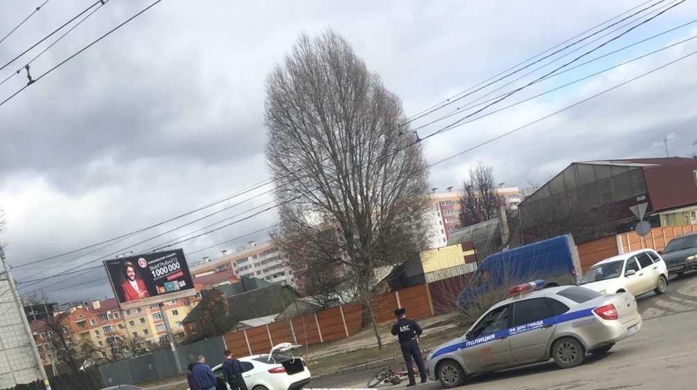 В Брянске автомобилистка разбила голову 62-летнему велосипедисту