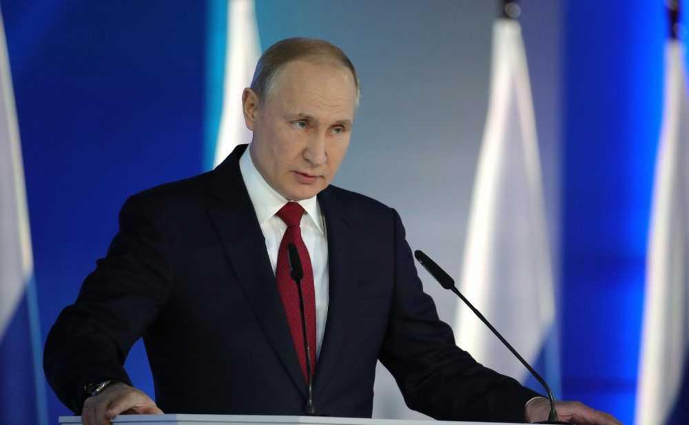 Путин возложил ответственность за развал СССР на коммунистов