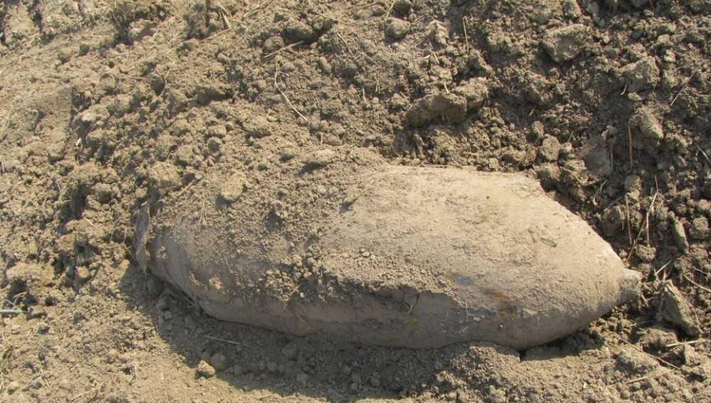 Под Карачевом обезвредили 100-килограммовую бомбу и мину