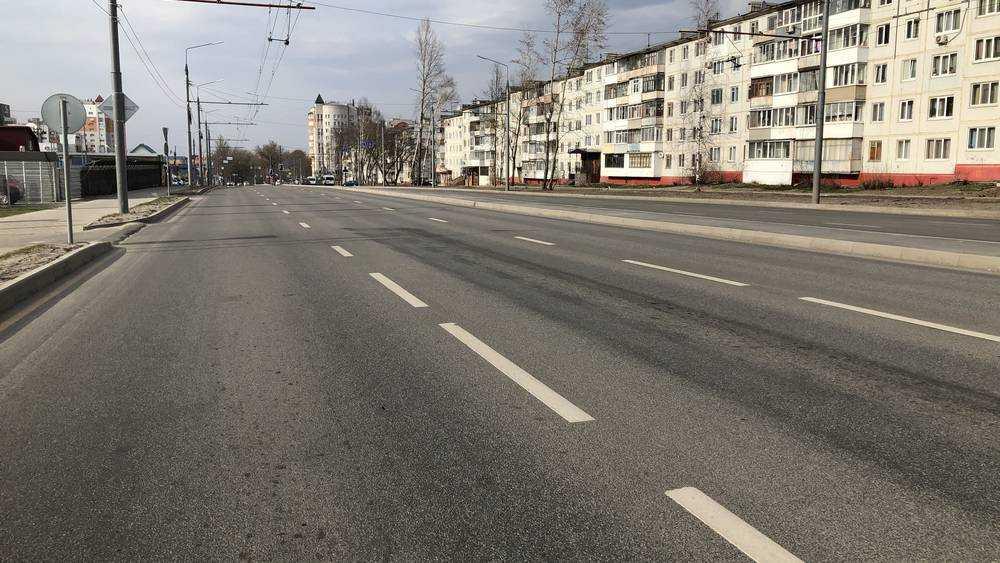 Улицы вечернего Брянска из-за коронавируса стали необычно пустынными