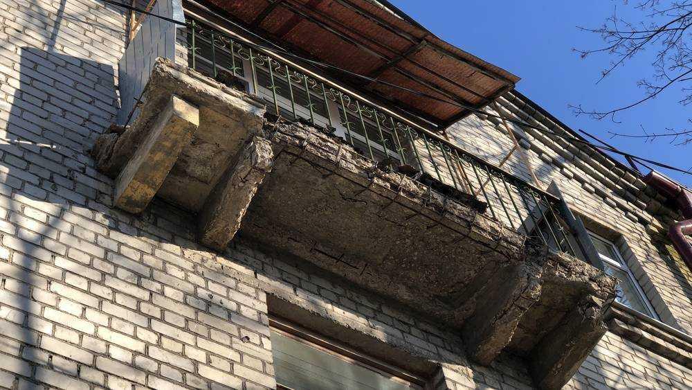 В Трубчевске Брянской области при обрушении балкона погиб мужчина