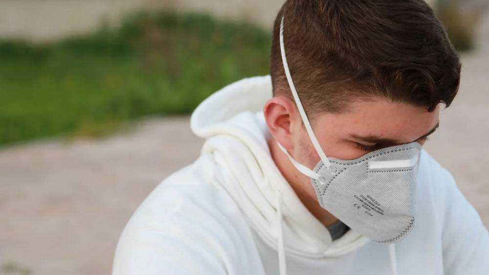 Четырех больных COVID-19 брянцев спасают в реанимации