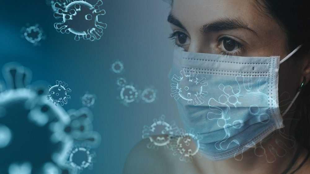 Ученые сообщили, сколько живет коронавирус на разных материалах