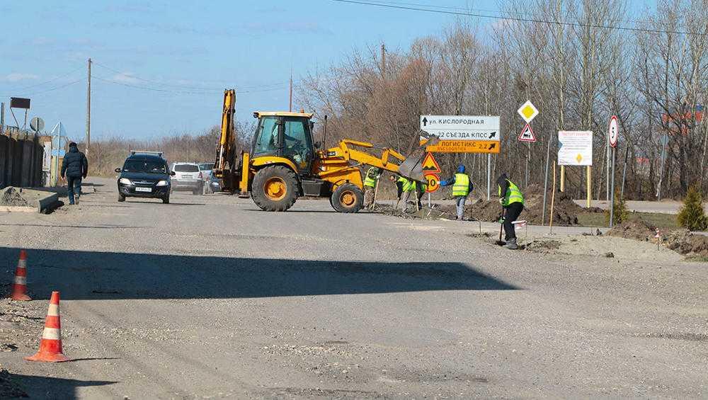 В Брянске на пяти улицах начали ремонт дорог