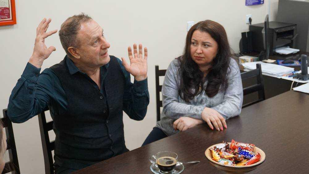 Ведущий актёр МХАТа Михаил Кабанов посетил Брянский театр кукол