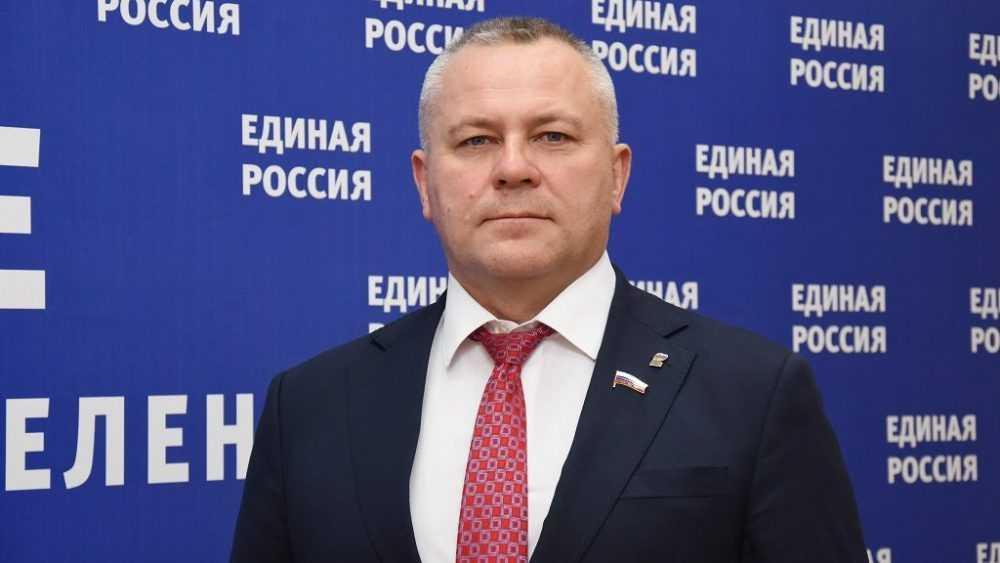 Глава Брянской думы Валентин Суббот за 2020 год заработал около 6 млн рублей