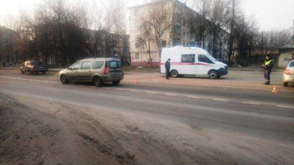 Пенсионерка и 13-летний школьник пострадали на дорогах Брянска