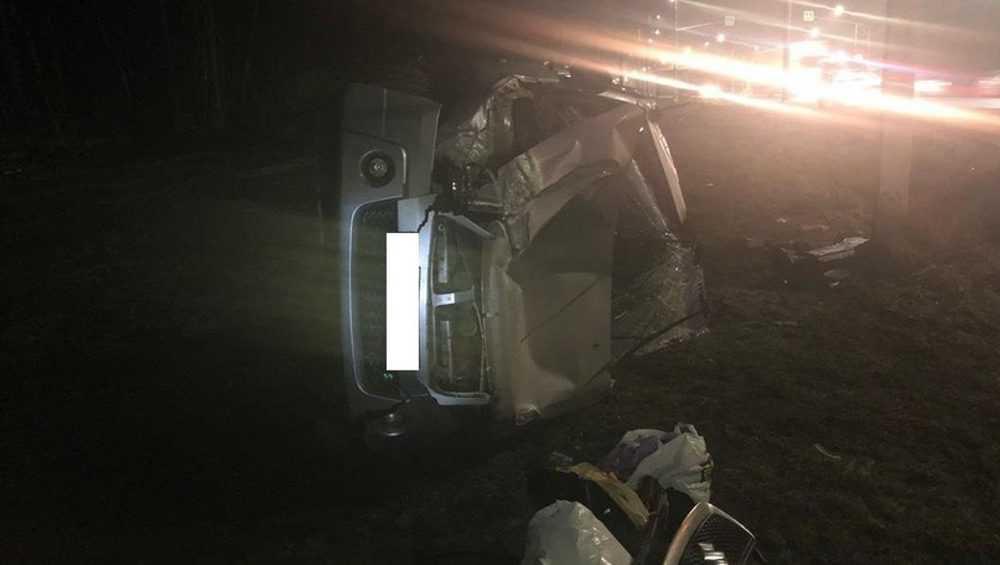 Под Брянском в перевернувшемся автомобиле пассажирка сломала ногу