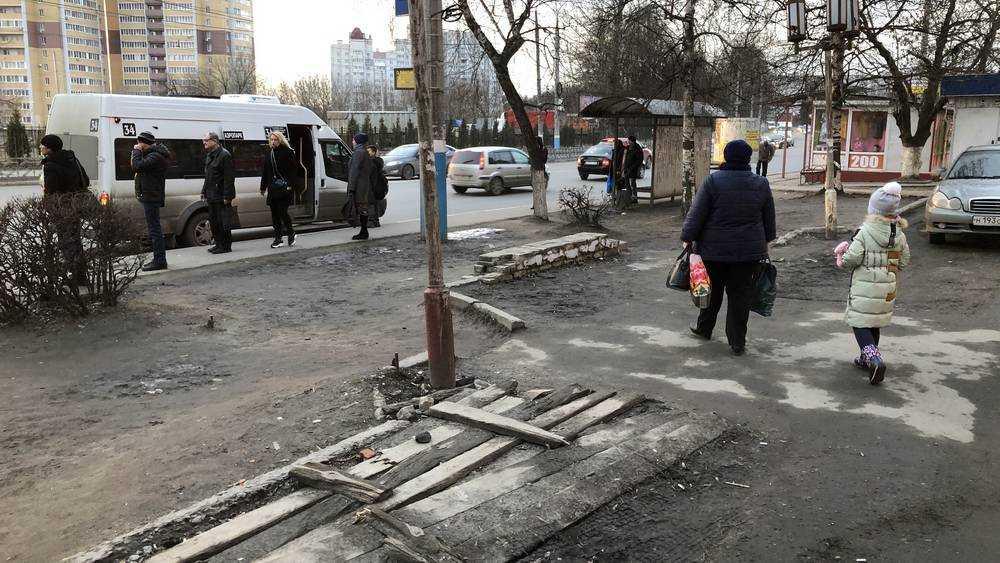 Брянцев у «Электроники» стал пугать музей разрухи под открытым небом