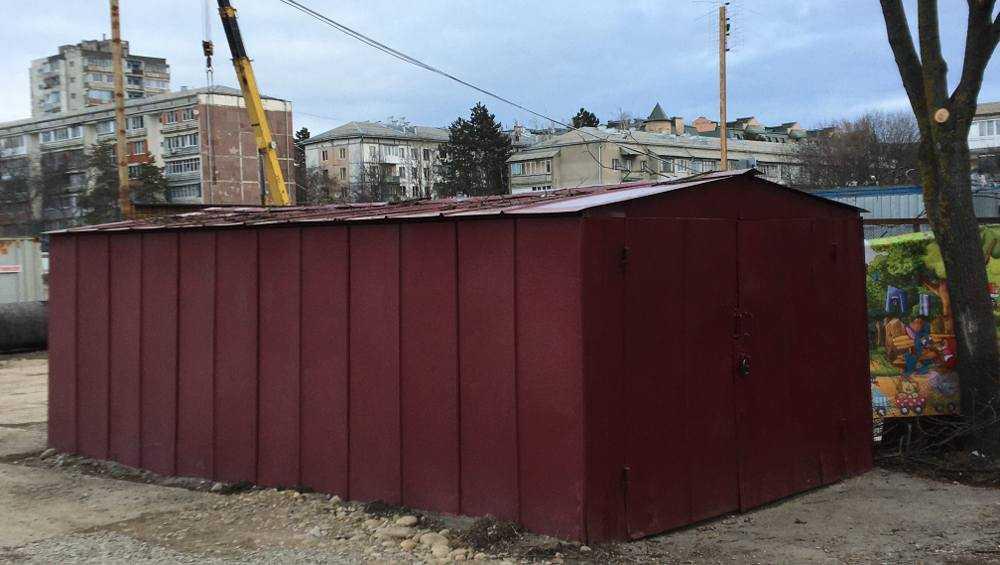 В Брянске снесут первые 13 из 2100 незаконно установленных гаражей