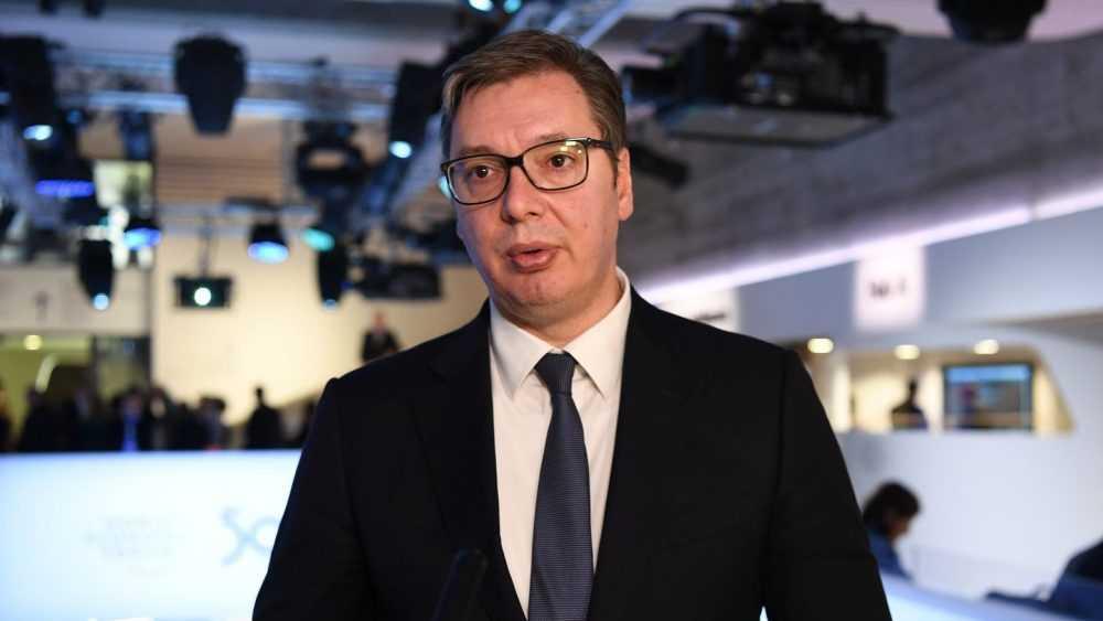 Президент Сербии заявил о подлости отказавшего в помощи Евросоюза