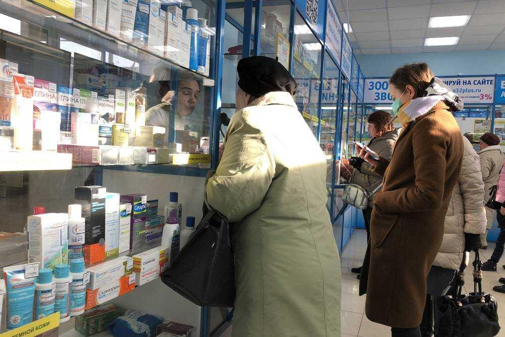 Брянские аптеки запаслись двумя миллионами масок