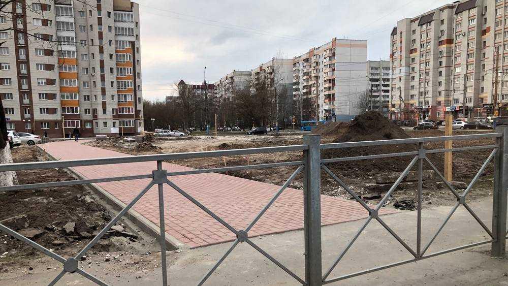 В Брянске за день замостили тротуар между улицами Фокина и Советской