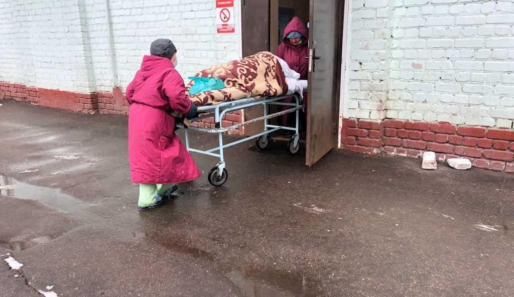 Брянские госпитали для больных коронавирусом оказались переполнены