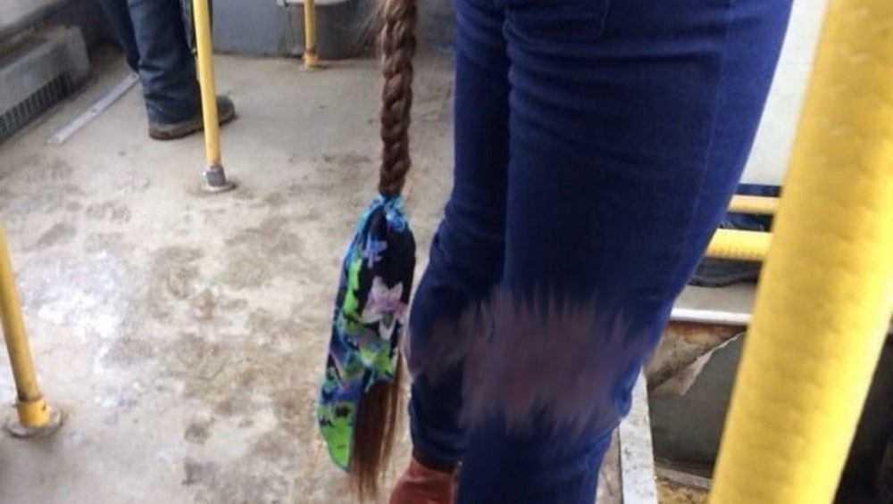 Девушка с огромной косой поразила брянцев