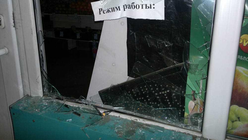 В Выгоничском районе обокрали сельский магазин