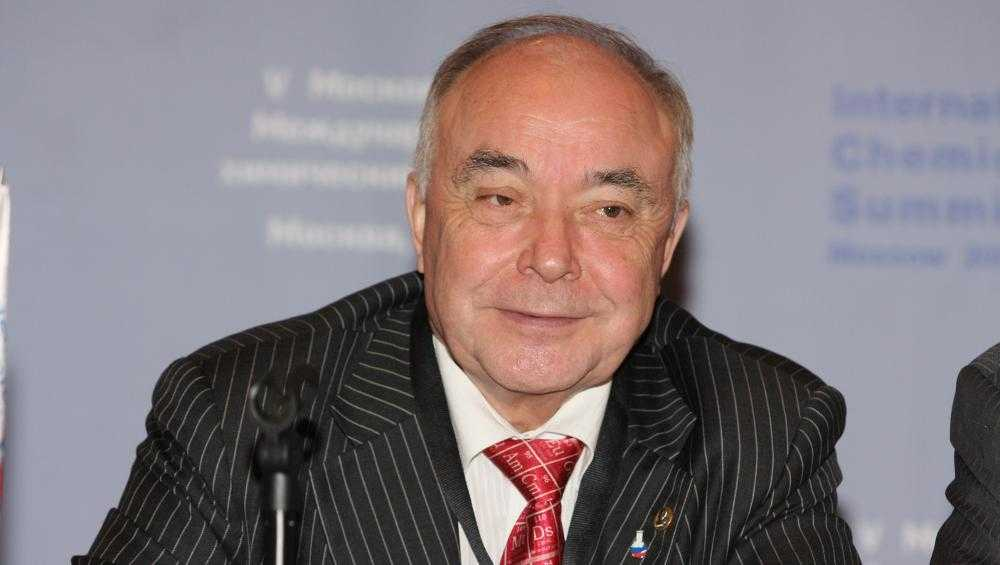 В Москве скончался сотрудничавший с брянским лицеем академик Лунин