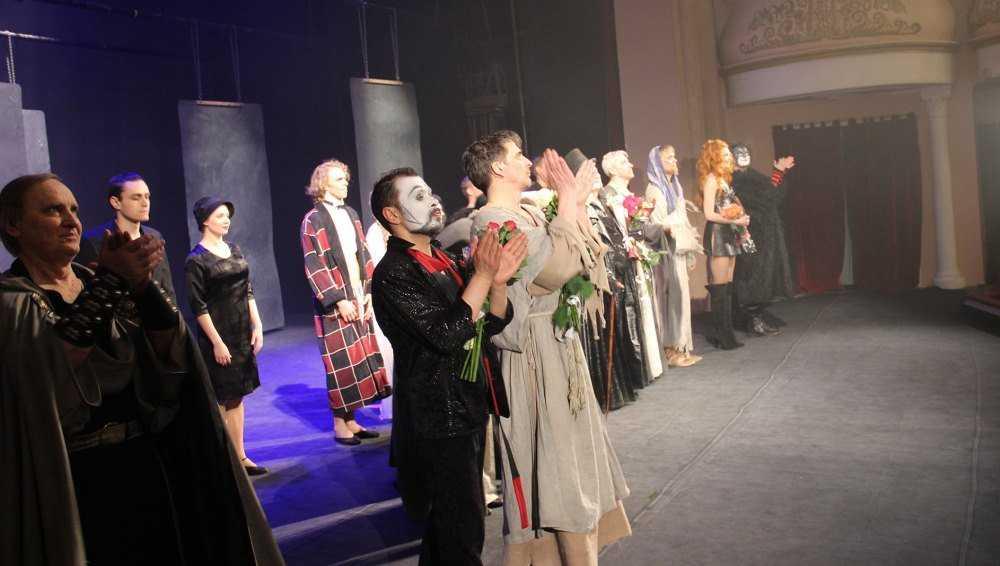 МХАТ завершил гастроли в Брянске спектаклем «Мастер и Маргарита»
