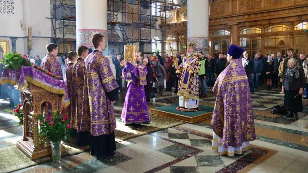 В брянском соборе помолились об избавлении от коронавируса