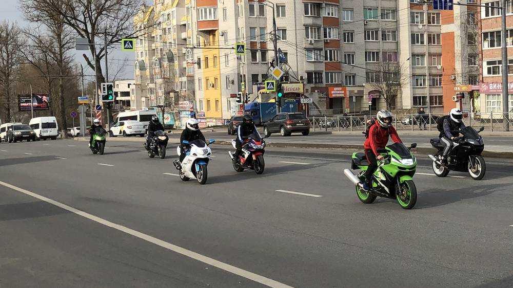 Орава мотоциклистов оглушила Брянск двухколесными игрушками
