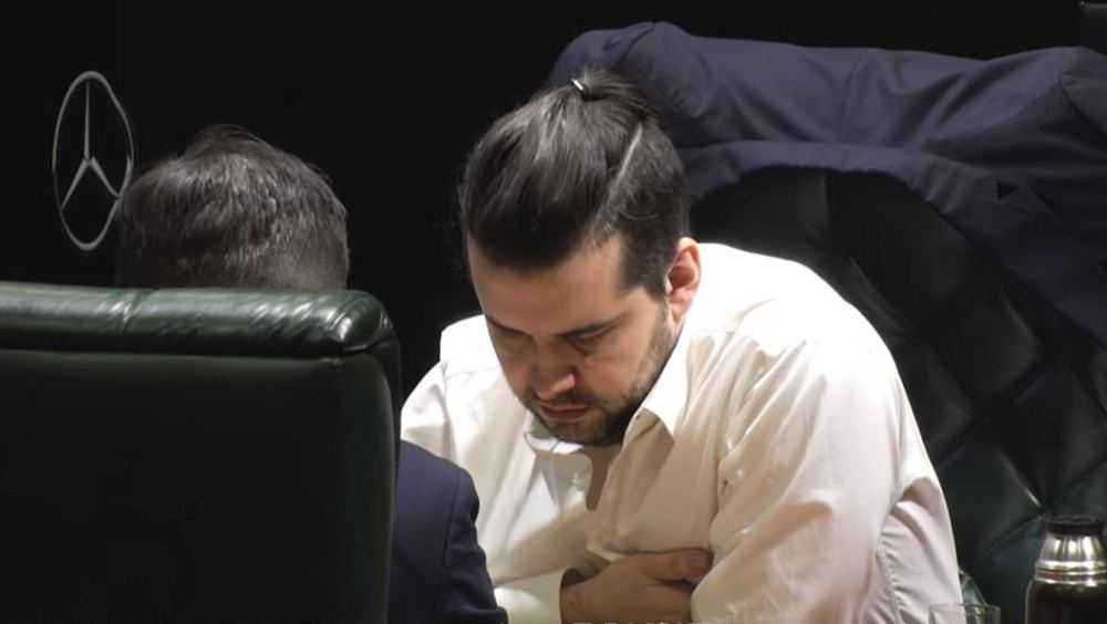 Брянец проиграл первый матч чемпиону мира по шахматам