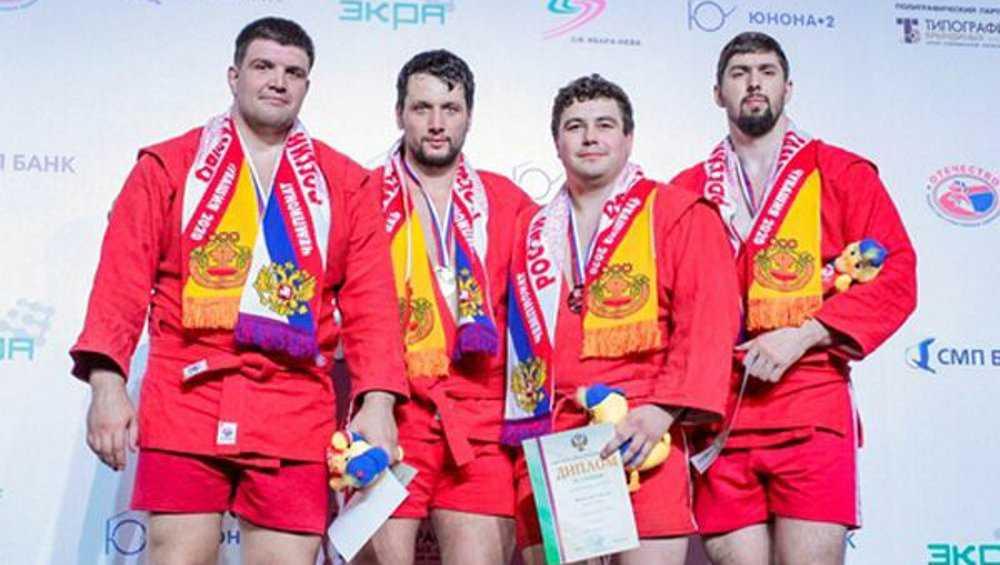 Брянский самбист Артем Осипенко в девятый раз стал чемпионом России