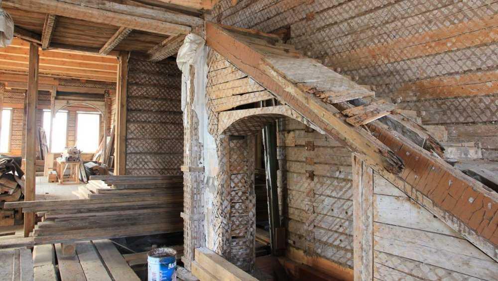 Владельцев старинного особняка в Новозыбкове оштрафовали за его реставрацию
