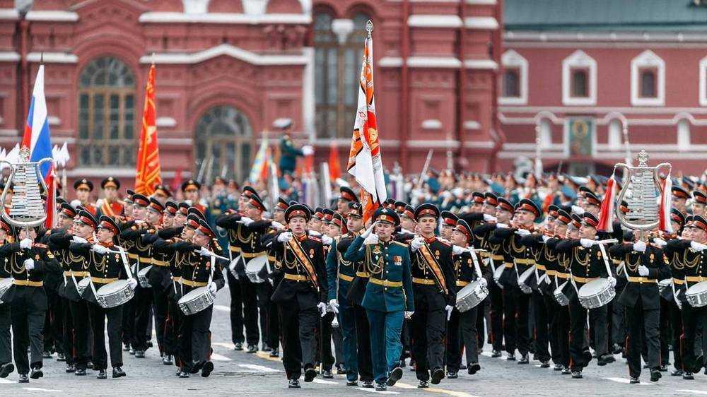 Победители Всемирной школьной олимпиады поедут на Парад Победы в Москву