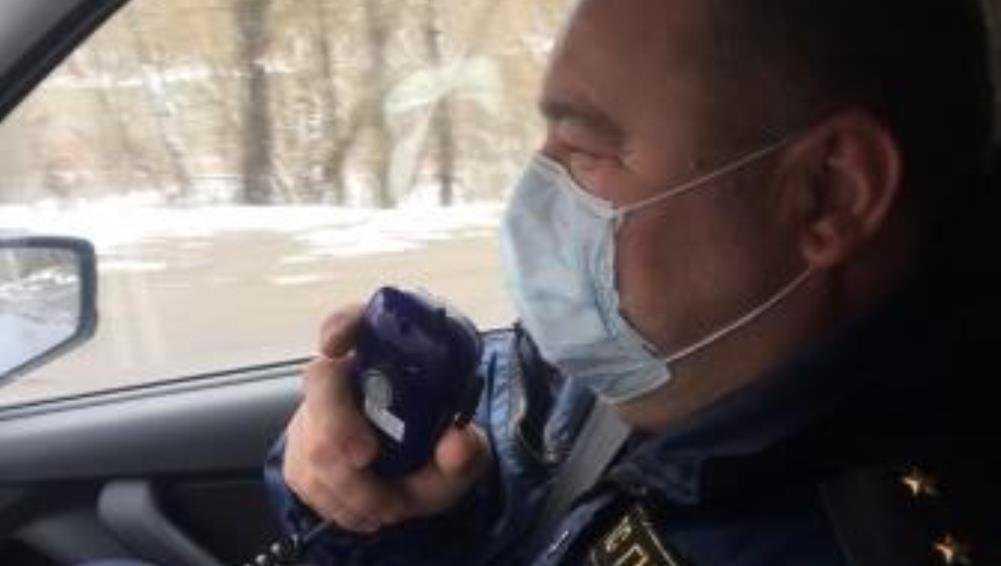 Сотрудники ГИБДД призвали брянцев не покидать свои дома