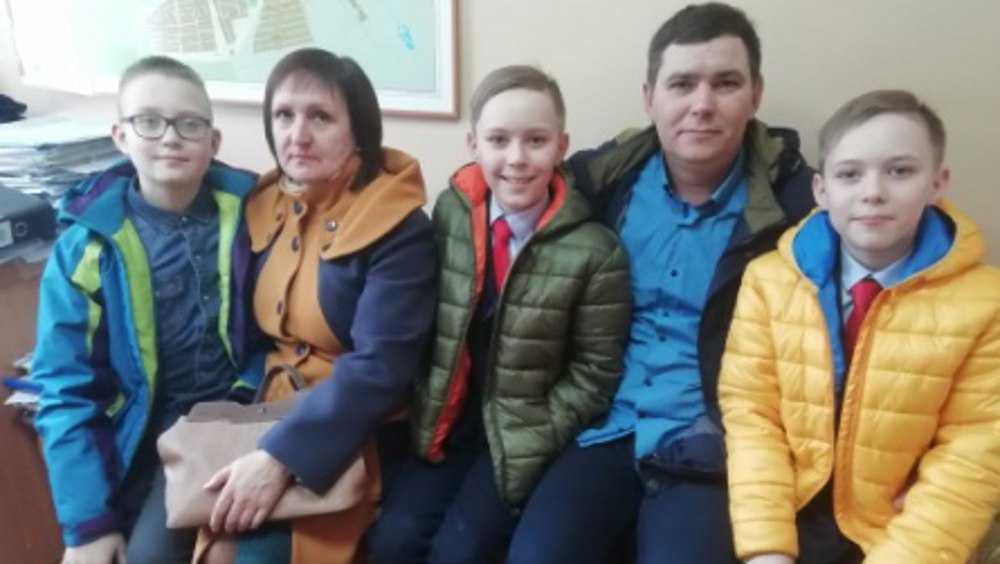 В Дятькове школьники спасли тонувшую в болоте пенсионерку