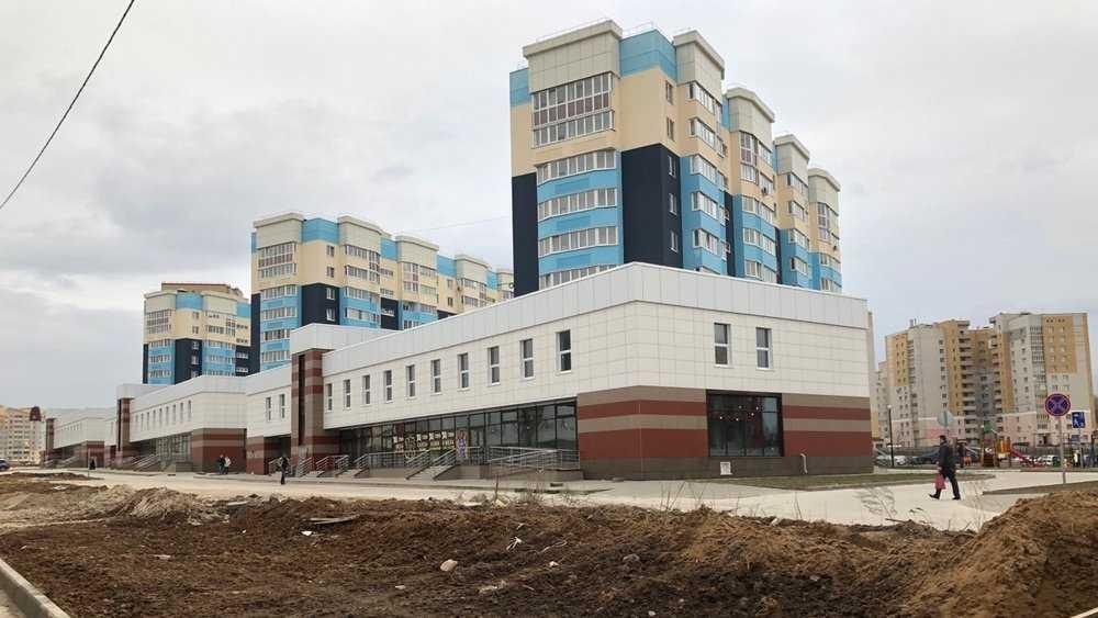 В Брянске вдоль новой дороги на Советской построили торговый коридор