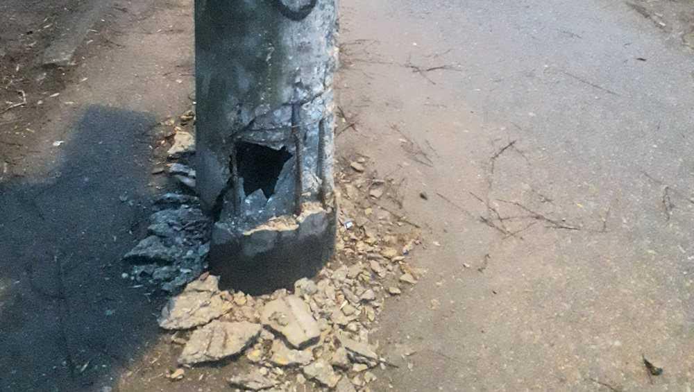 В Брянске чиновникам велели заменить аварийные столбы на 8 улицах