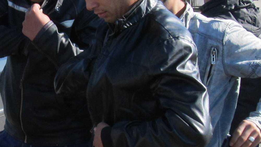 Жительница Брянска сообщила о торговле наркотиками возле ТД «Цезарь»